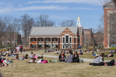Students on UConn lawn